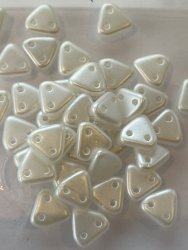 Triangle Beads 6mm White 25001