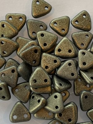 Triangle Beads 6mm Metallic Suede Gold 7908